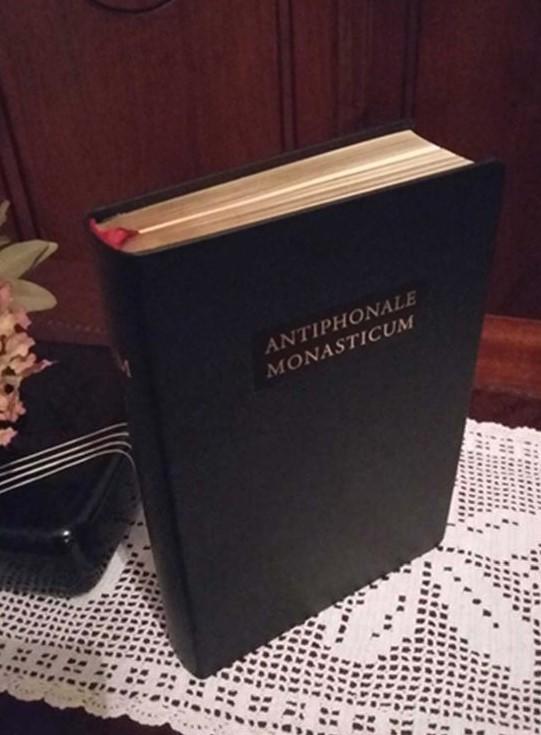 ANTIPHONALE MONASTICUM (vol. II: De Sanctis)